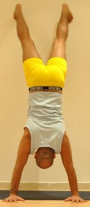 hand-stand-reverse